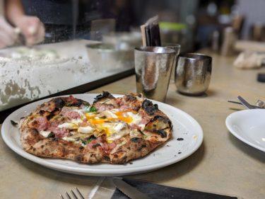 400℃ pizzaでピザを食おう